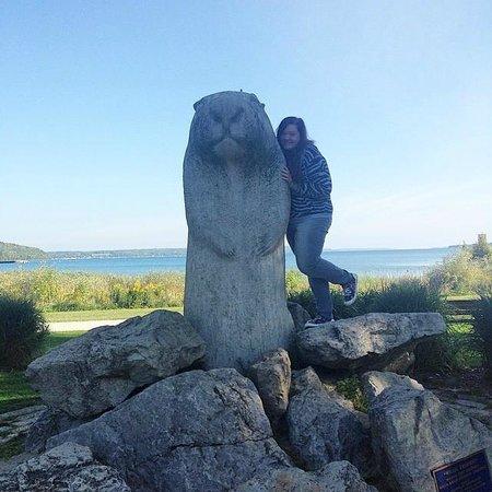 Wiarton Willie Statue