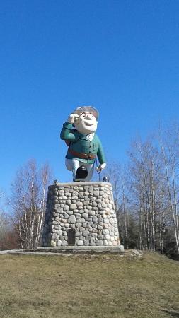 Flintabbaty Flonatin Statue